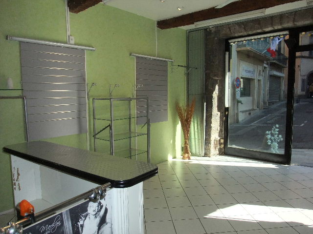Local commercial Agde 24 m2 + réserve 24m²
